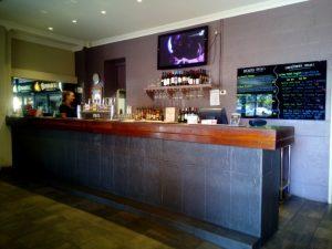 Dongara pub