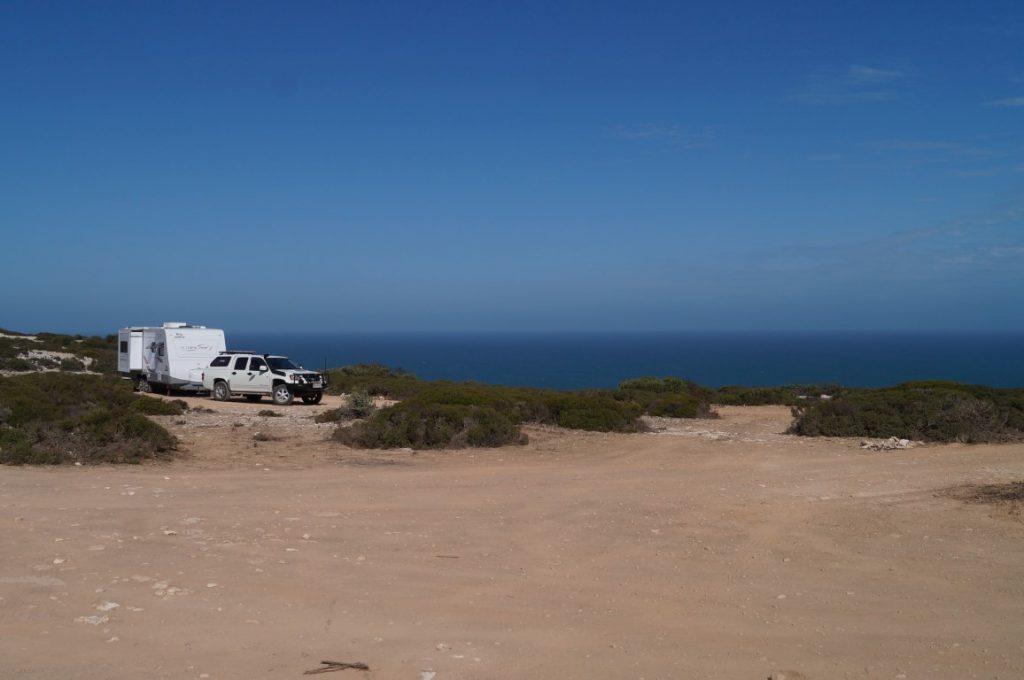 Lookout Number Nullarbor, camping over the australian bight in our caravan