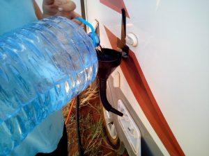 manualy fill caravan water tank