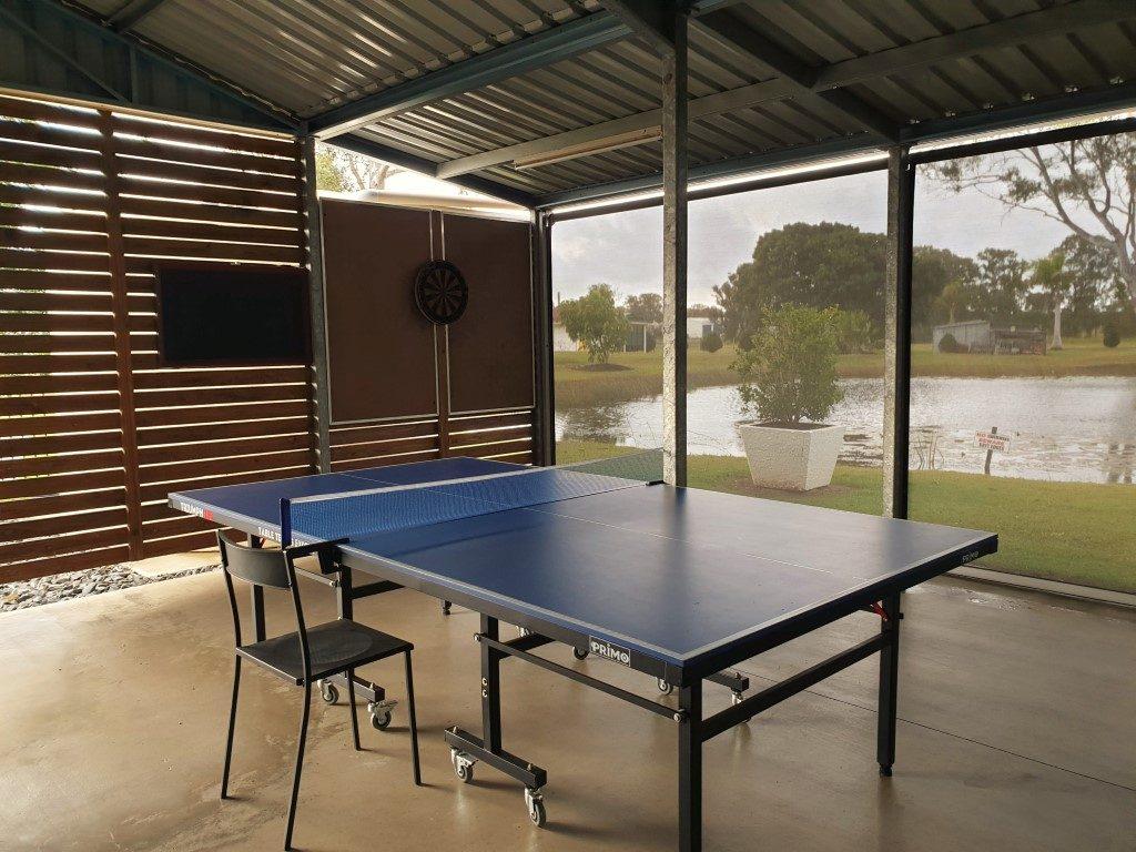 Cheery-Nomads-bar ping pong