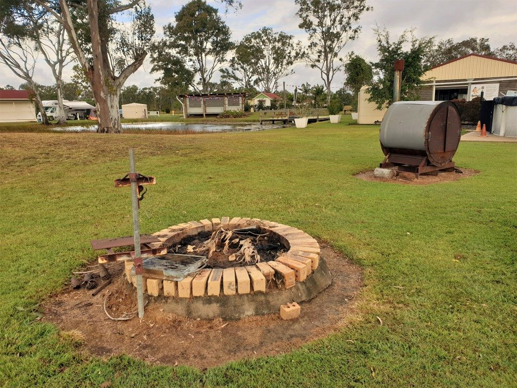 Cheery-Nomads- Kui park fire pit pizza oven