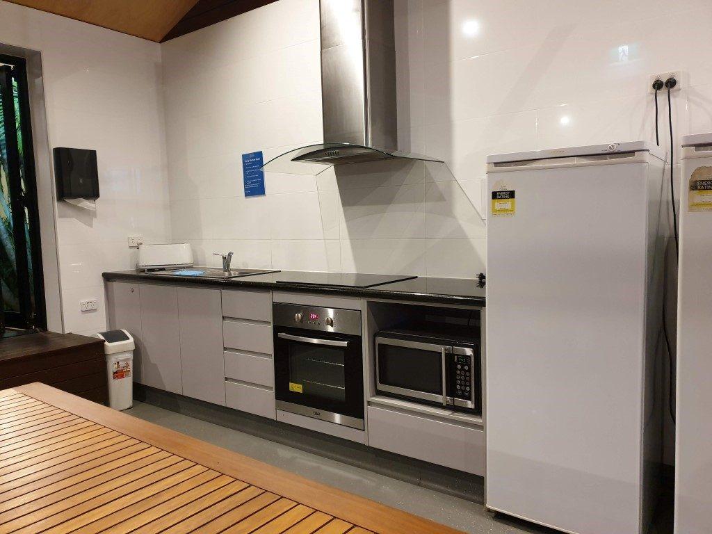 Big-4-helensvale-camp kitchen cooker