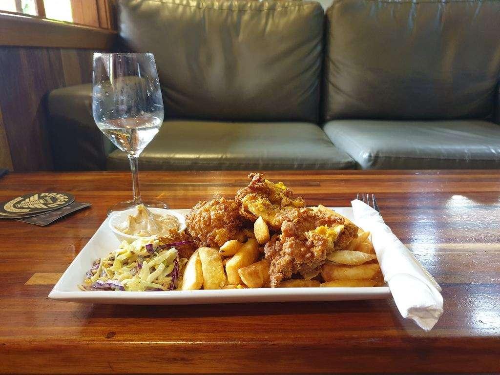 Tall timbers Smithton Tasmania bar food lunch chicken