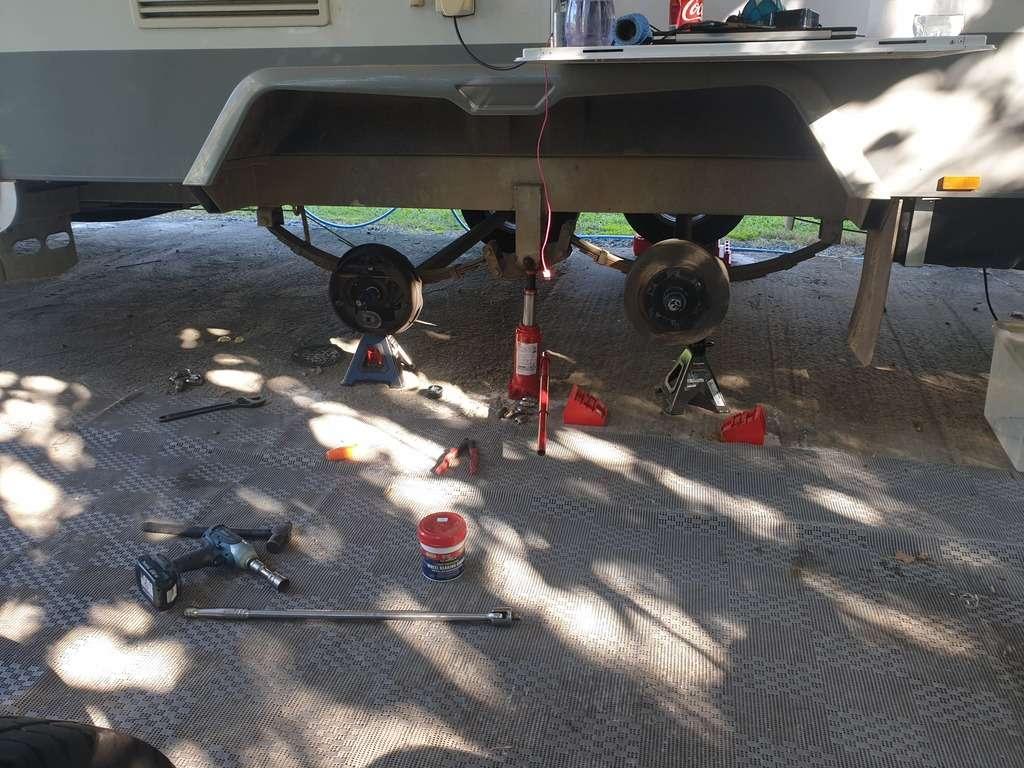 caravan maintenance wheel bearing packer