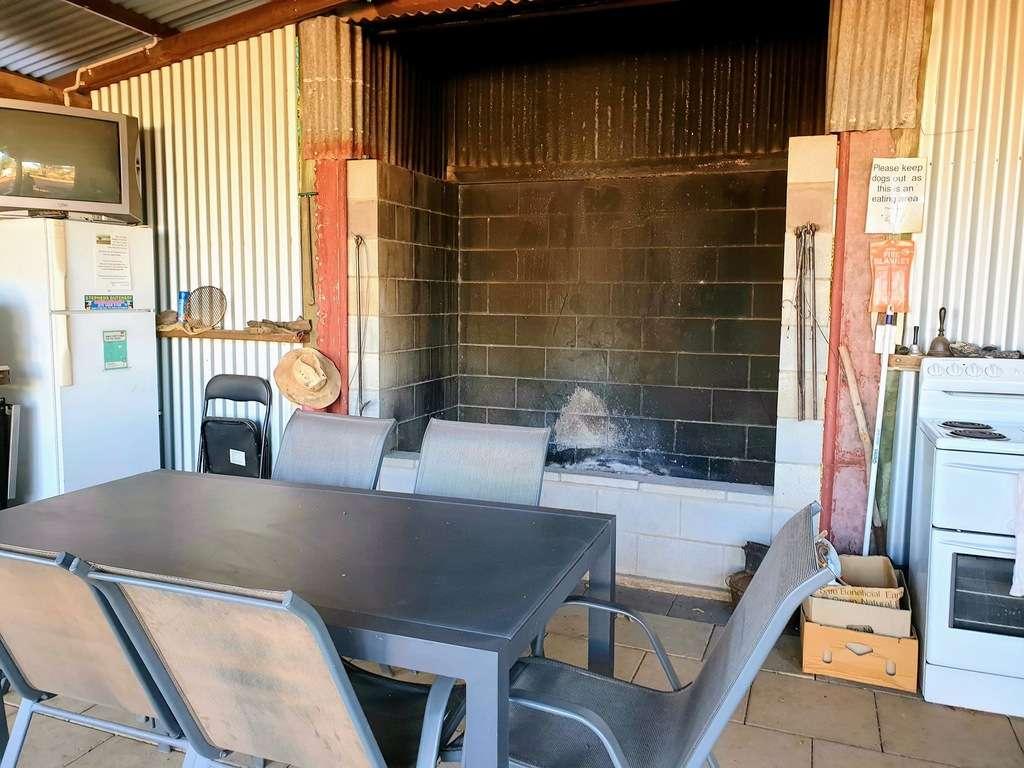 Dirranbandi Retreat and Caravan Park QLD fire bbq