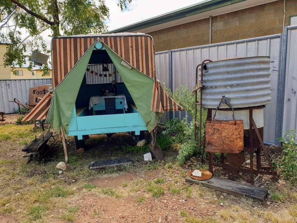 Lightning ridge historical  camper tent
