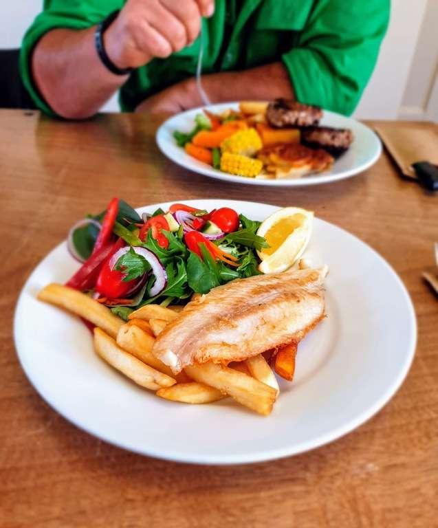 Rankins Springs Conapaira hotel triple D's Diner