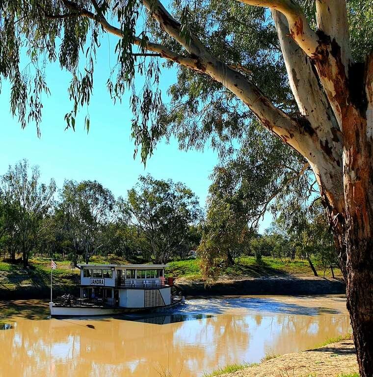 Jandra paddleboat bourke darling river new south wales