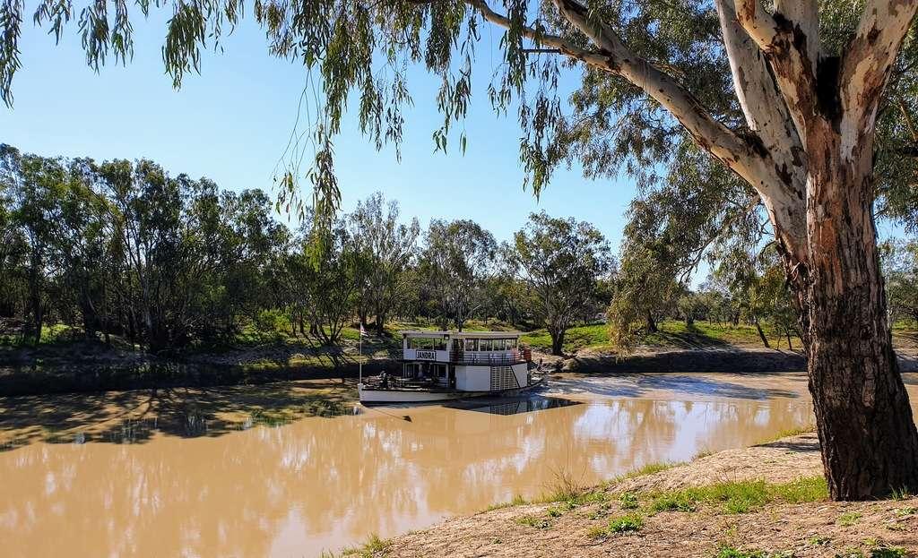 Bourke free camp darling river